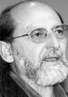 نزيه أبو عفش poet